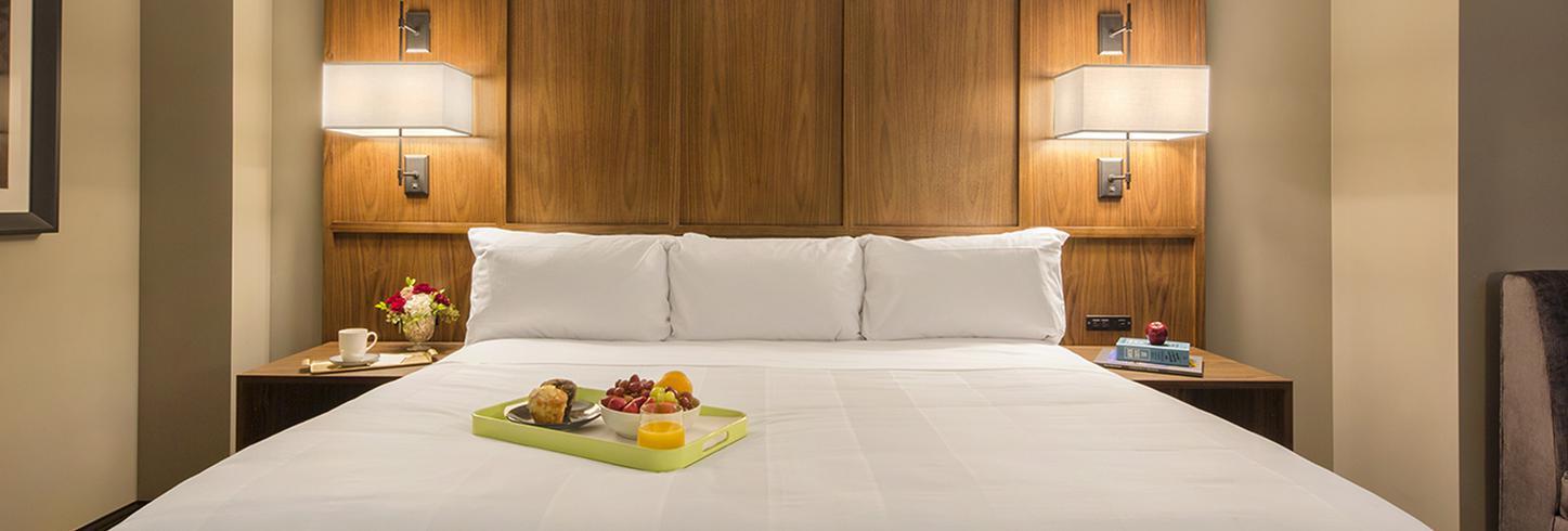 Omaha Marriott Classic Rooms
