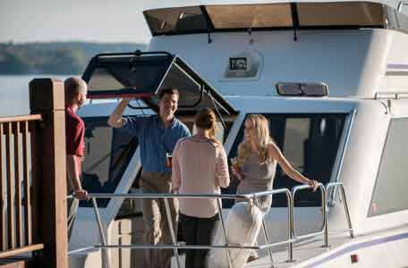 Private Cruise Events, cruises on green lake, escapade yacht