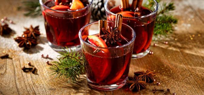 Gluehwein & Sweets Special at CLEAR